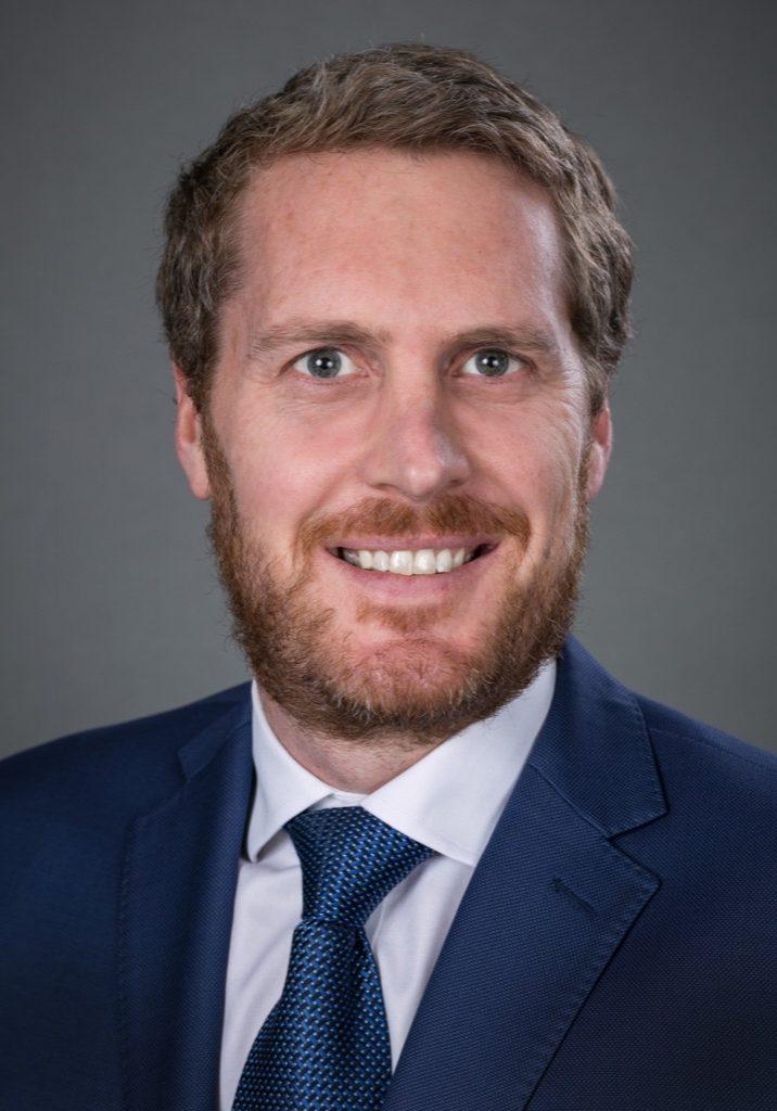 Dr Cameron Mouat